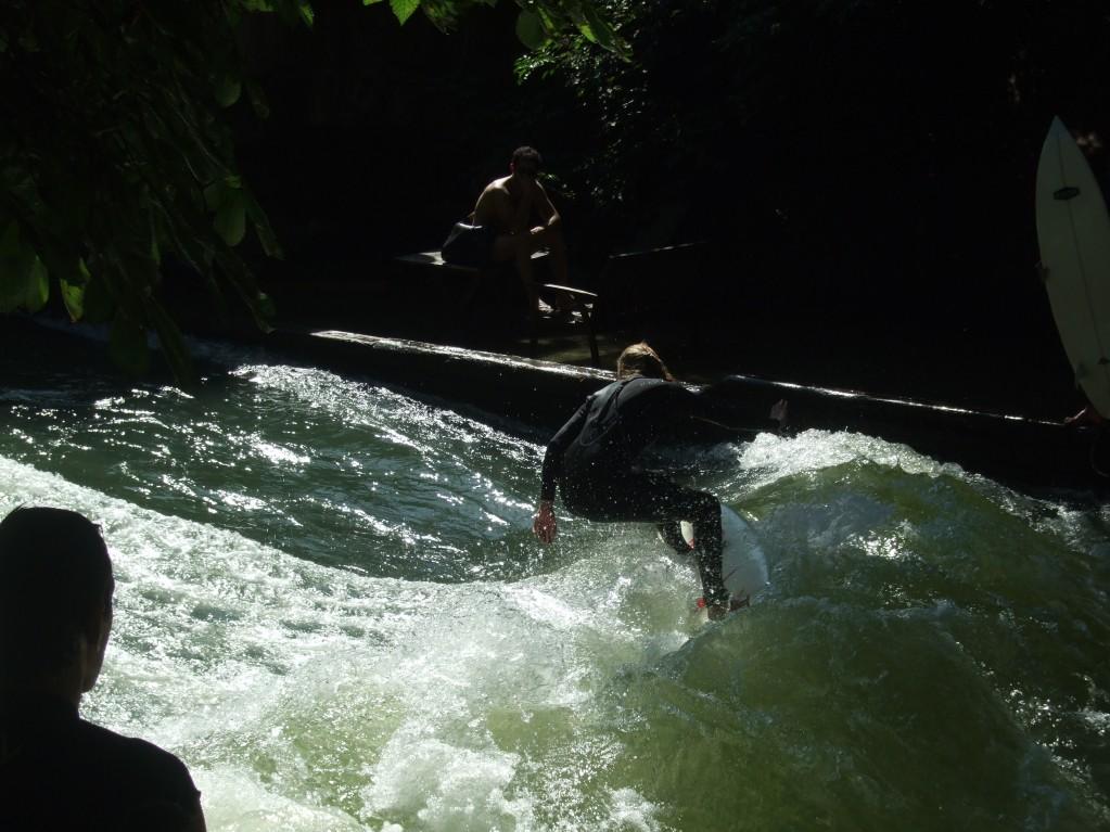 Surfer in der Eisbach