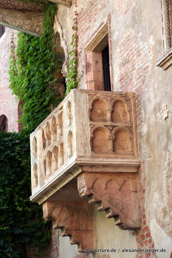 julia_balcony_verona
